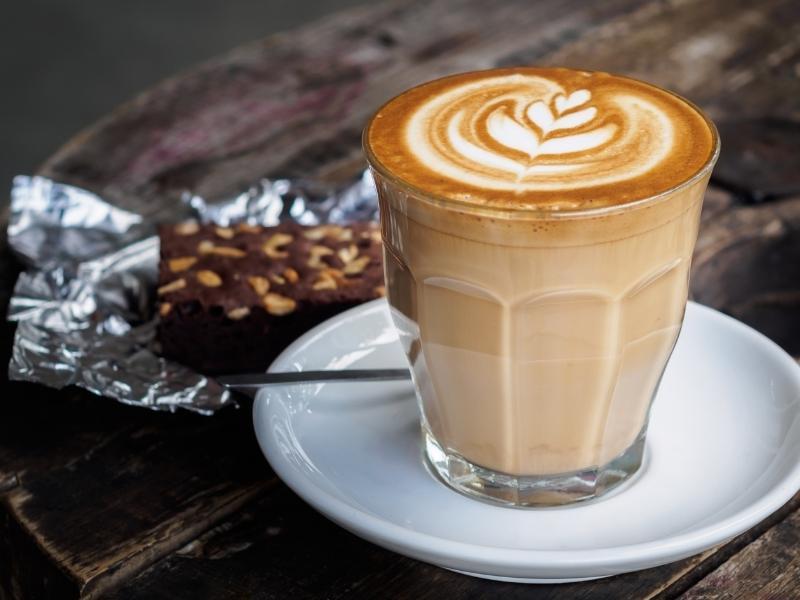 Latte du không mới mẻ nhưng vẫn giữ vững vị trí các loại đồ uống hot năm Cô Vy