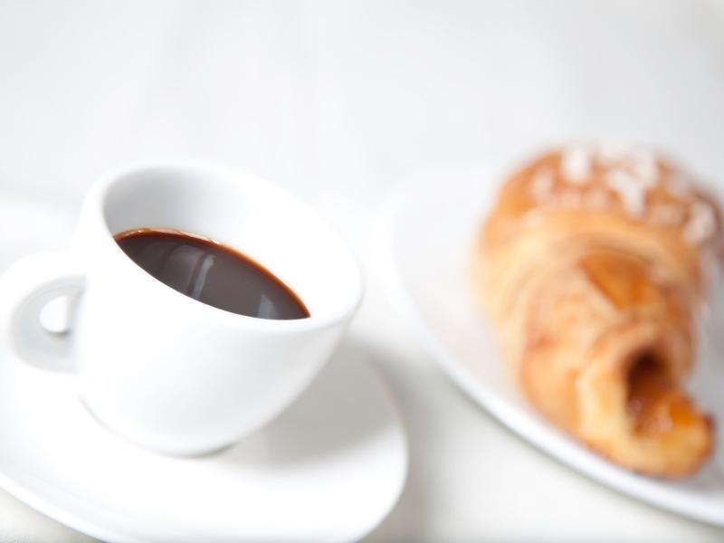 Thưởng thức ly cà phê hấp dẫn do chính mình làm ra thì còn gì bằng nè.