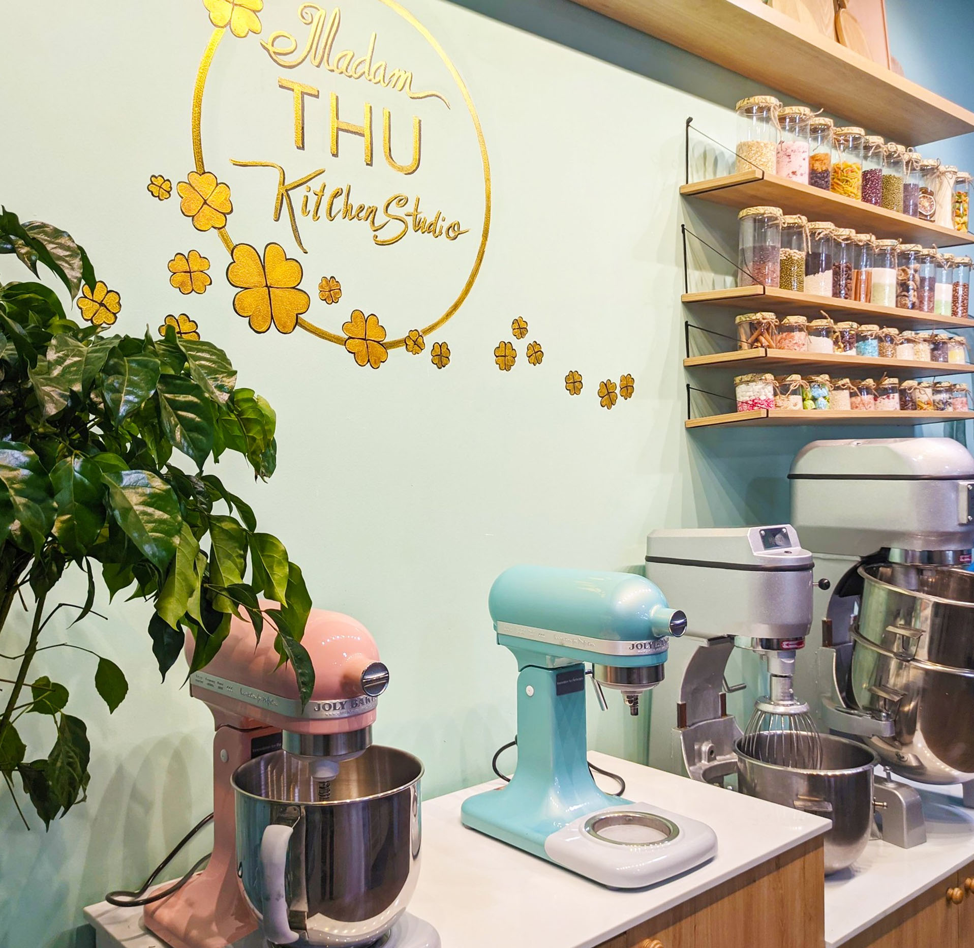 Chọn trường nào để học Quản trị nhà hàng và dịch vụ ăn uống?